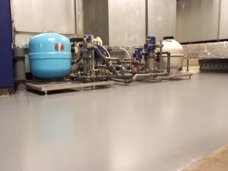 vloeistofdichte-grijze-coatingvloer